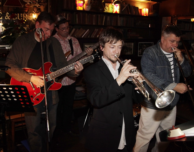 Titch Walker trumpet, Jeff Williams Trombone