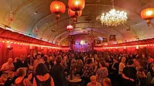 <strong>The Rivoli Ballroom on a great Burlesque Band evening</strong>
