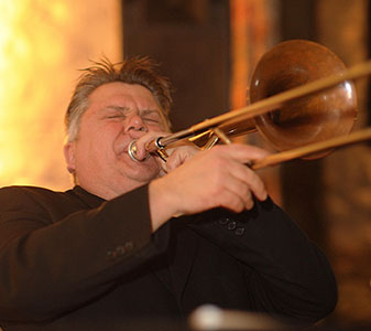 Jeff Williams trombonist and owner at ukjazzband.co.uk