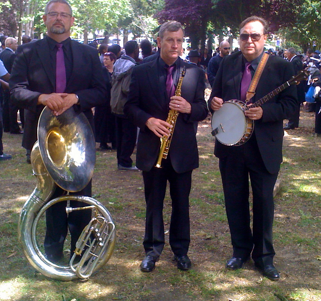 Our acoustic version of the jazz band smartly dressed for this corporate fun day.