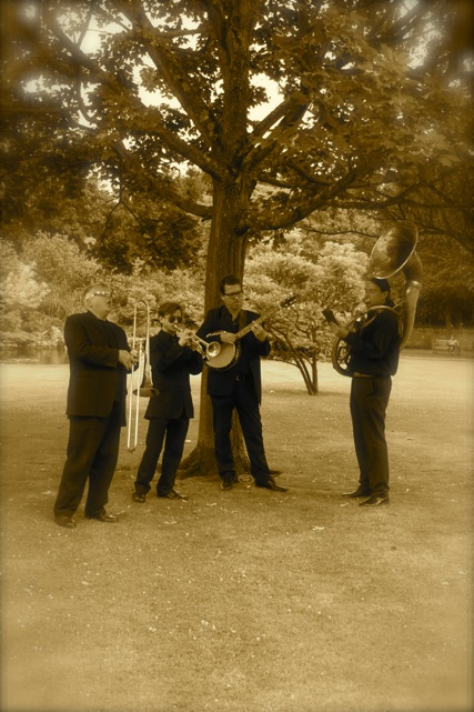 Wedding jazz band hire. Playing for an outdoor reception